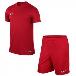 Детская футбольная форма Nike JR Park VI 725984-657+725988-657 красная