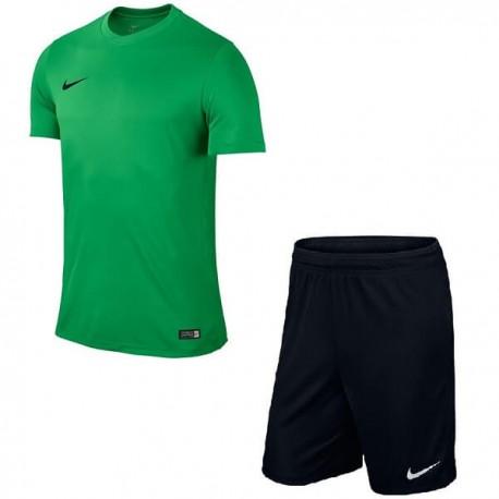 Детская Футбольная форма Nike JR Park VI 725984-302+725988-010 зелено-черная