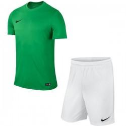 Детская Футбольная форма Nike JR Park VI 725984-302+725988-100 зелено-белая